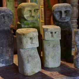 O- Statuettes