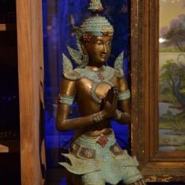O- Statue bronze