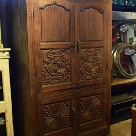 M- Armoire