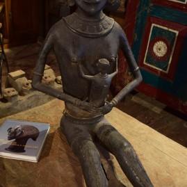 O- Statue